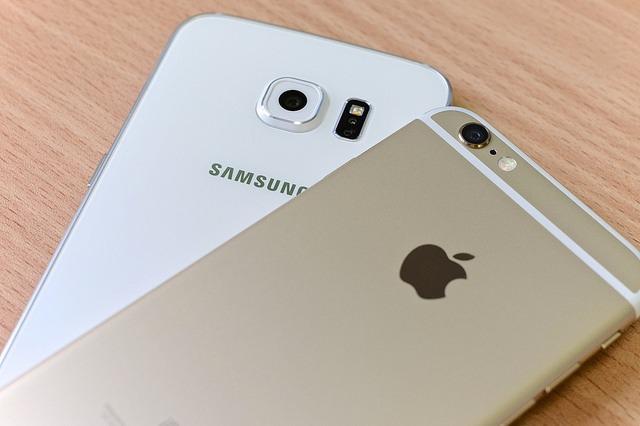 Samsung vs Apple. ¿Quién es mejor? Fuente: Kārlis Dambrāns Flick